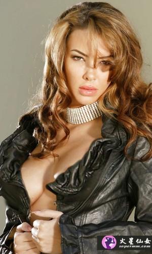 Sophia Santi(索菲亚·桑蒂)