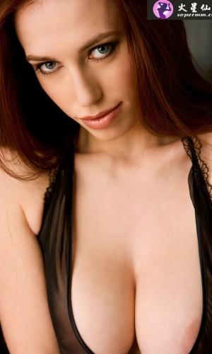 Titania Lyn(蒂安娜·林恩)
