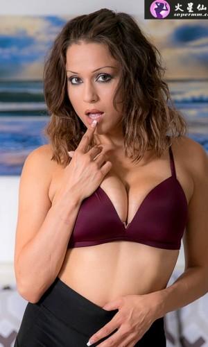 Brooke Sinclaire(布鲁克·辛克莱尔)
