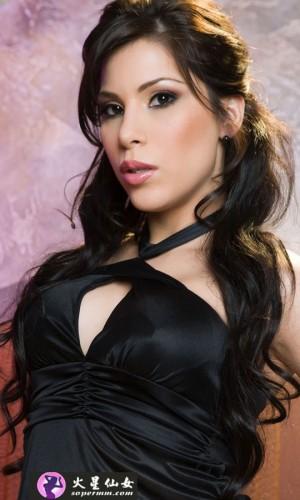Aleksa Nicole(亚历克萨·尼科尔)