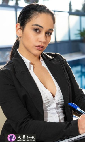 Ginebra Bellucci (希内夫拉·贝鲁奇)